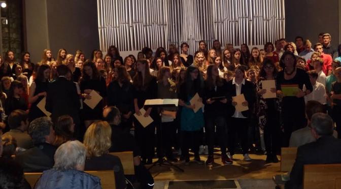 Weihnachtliches Programm beim Konzert der Schule am Ried