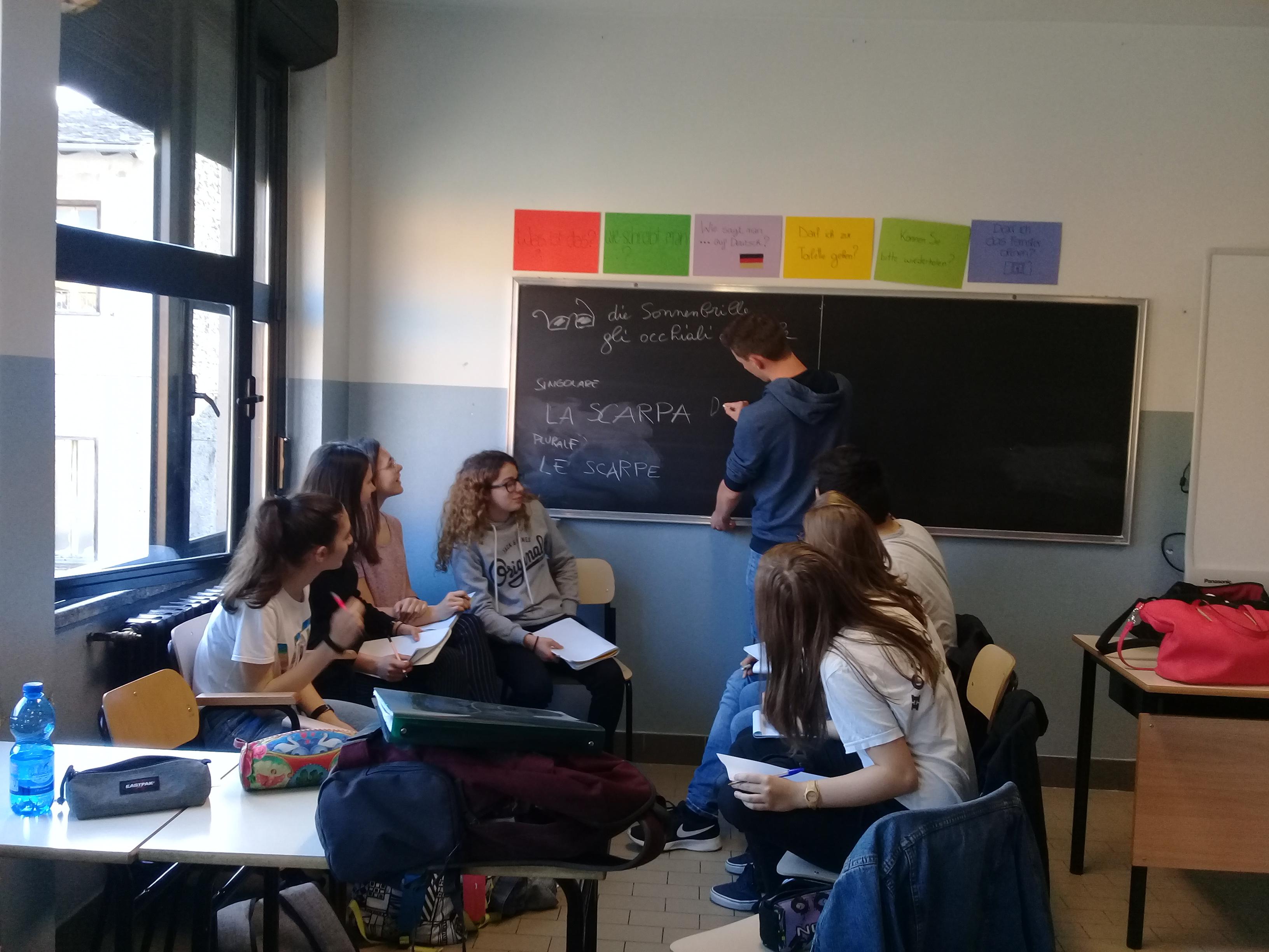 Deutsch-Italienisch Unterricht in Gruppen.